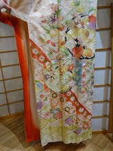 Load image into Gallery viewer, Vintage Women's Kimono - Lucky Pink