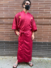 Load image into Gallery viewer, Polyester Robe with Embroidered Good Fortune Character