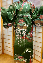 Load image into Gallery viewer, Satin cotton gold and green kimono