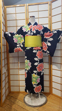 Load image into Gallery viewer, Traditional Yukata - large colorful flowers