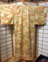 Load image into Gallery viewer, Komon Kimono - floral & geometric patterns on light yellow