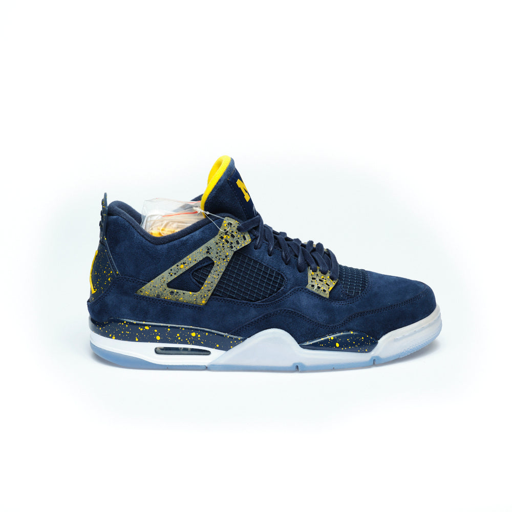 JORDAN 4 Retro 'Michigan' college SAMPLE PE FOOTBALL Suede - Culture source