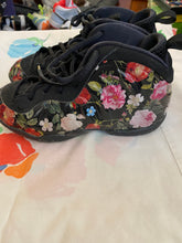 Load image into Gallery viewer, Girl's Floral Nikes Size 3