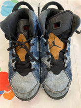 Load image into Gallery viewer, Girl's Nike's Denim High Tops Size 3