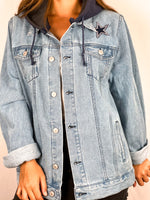 Load image into Gallery viewer, Dallas Cowboys Hooded Denim Jacket