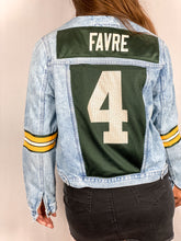 Load image into Gallery viewer, Green Bay Packers FAVRE Denim Jersey Jacket