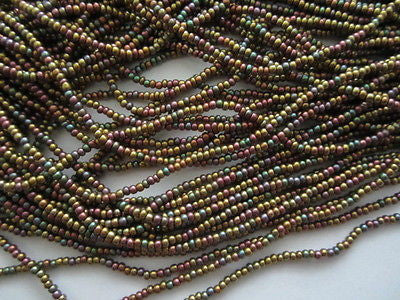11/0 Gold Iris Rainbow Pink Aqua Mauve Silk Matte Metallic Mix Czech Seed Beads