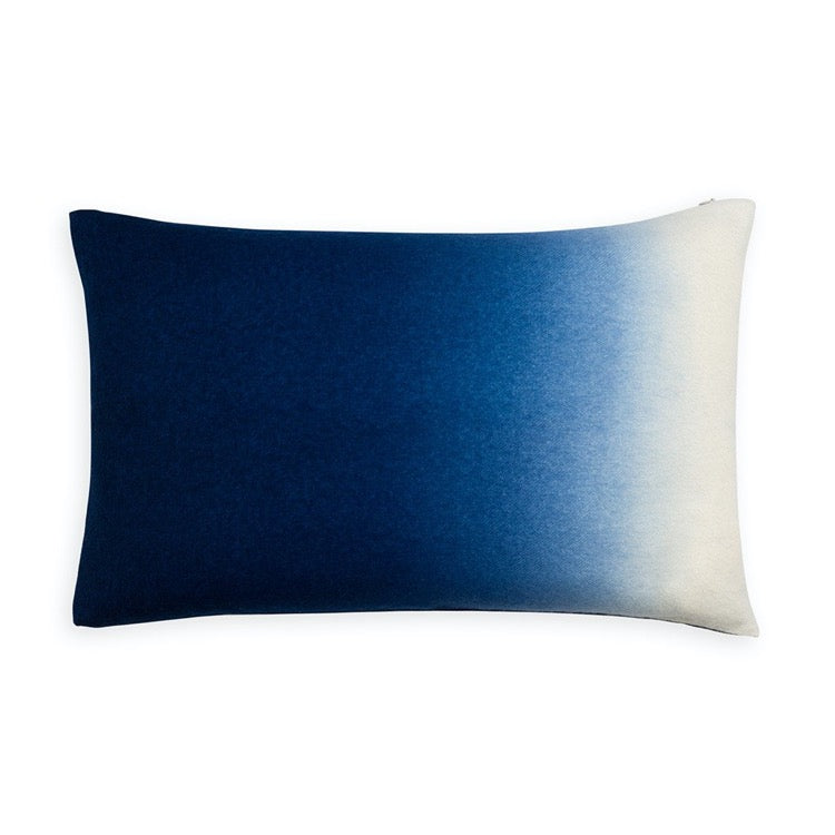 PILLOW IN DIP DYED - INDIGO