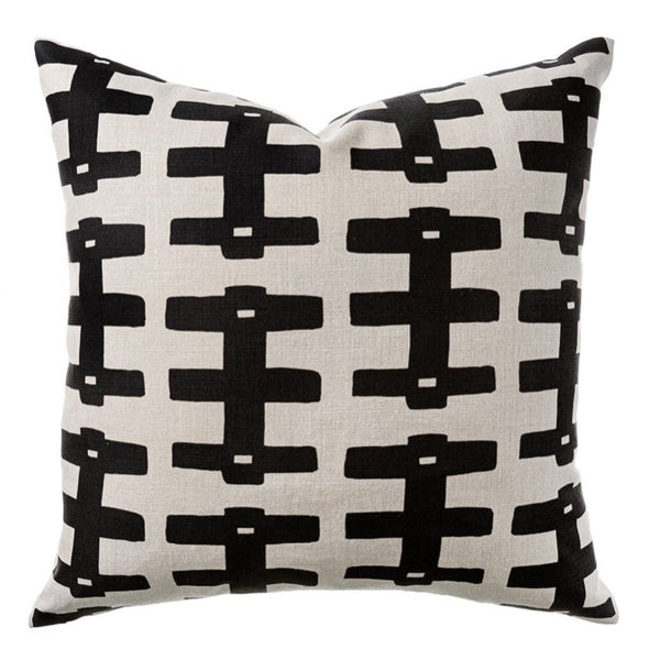 PILLOW IN BRIDGE - BLACK ON NATURAL