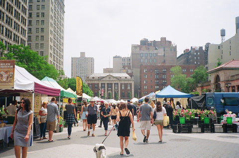 GREEN LIVING: Farmers markets & why we love them