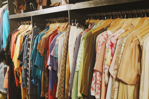 SHOPPING : Our list of where to shop vintage in NYC