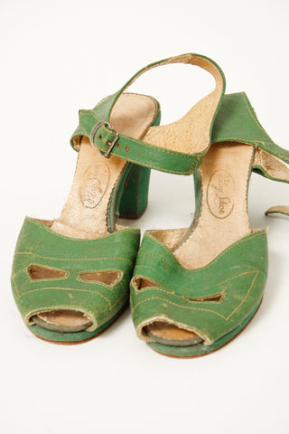 VINTAGE 40'S KELLY GREEN HEELS