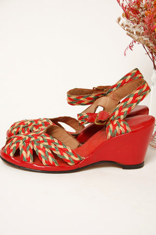 VINTAGE 1940'S RED LEATHER BRAIDED WEDGE