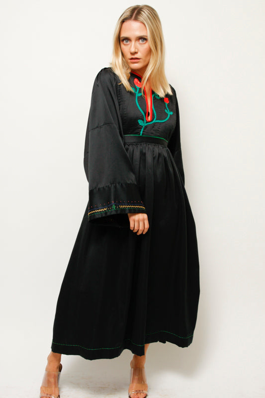 VINTAGE HAND EMBROIDERED WIDE SLEEVE DRESS