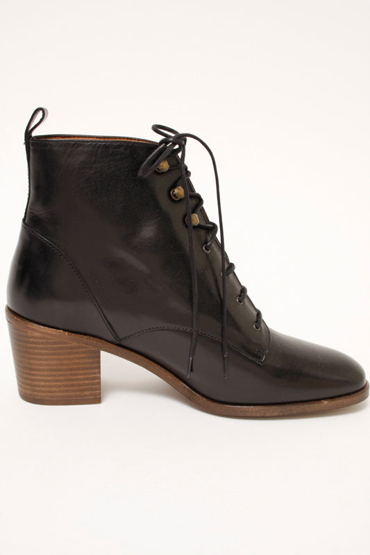 SESSUN REDMOND LACE UP BOOTS