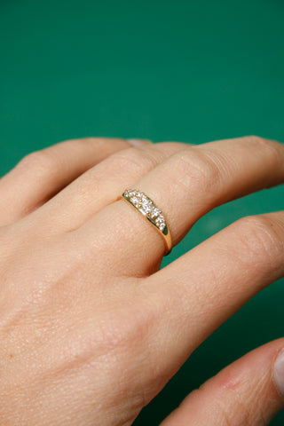 GJENMI JEWELRY COMMUNION WHITE DIAMOND RING