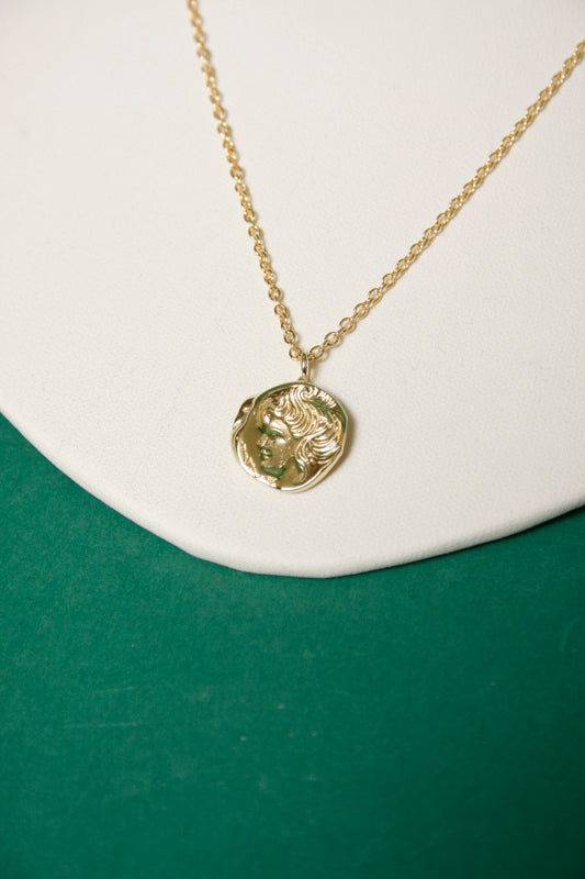 ILIHC CAMEO NECKLACE