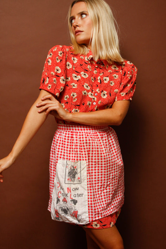 VINTAGE PLAY NOW COOK LATER APRON
