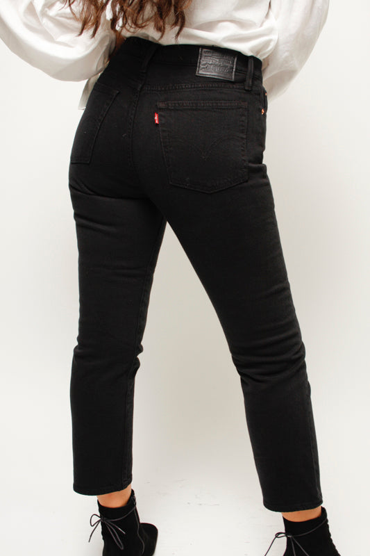 LEVIS WEDGIE STRAIGHT BLACK HEART - Cloak and Dagger NYC