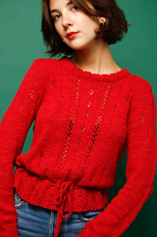 VINTAGE RED SWEATER WITH WAIST TIE