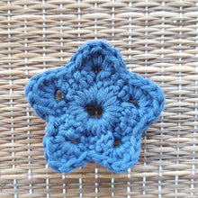 Load image into Gallery viewer, Blue flower shaped face scrubby