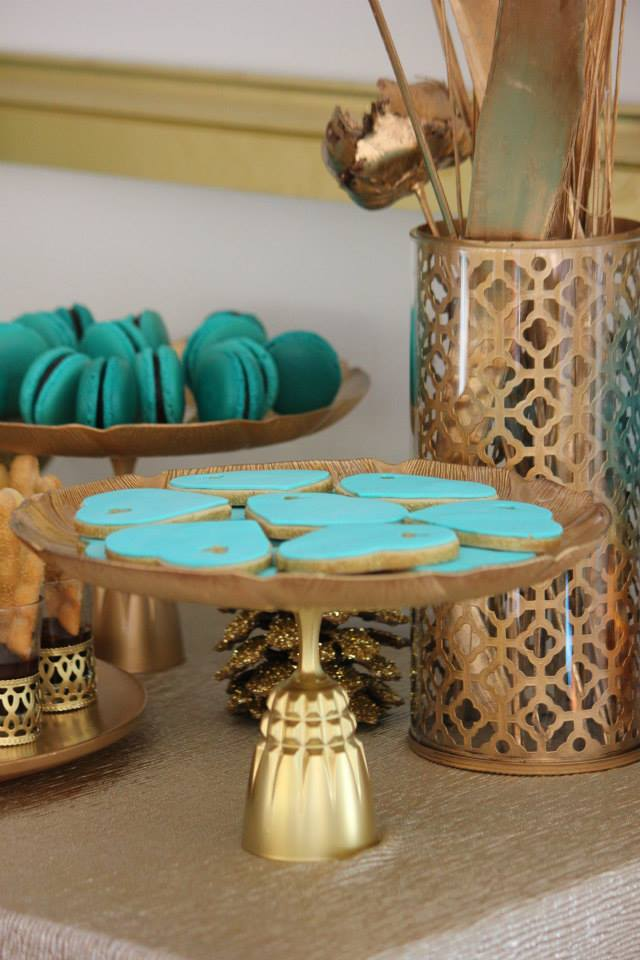 gold-glitter-blue-dessert-table-party-blue-sugar-cookies