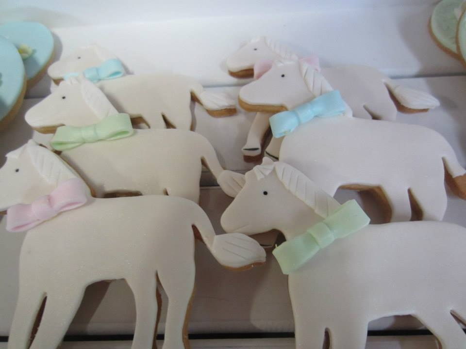 horse-riding-party-dessert-table-cookies