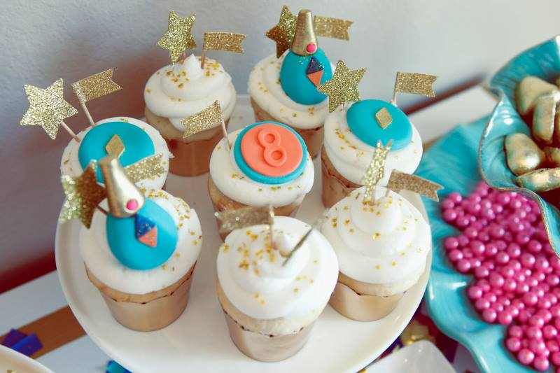 glitz-glamour-glitter-geometrical-spa-party-cupcakes