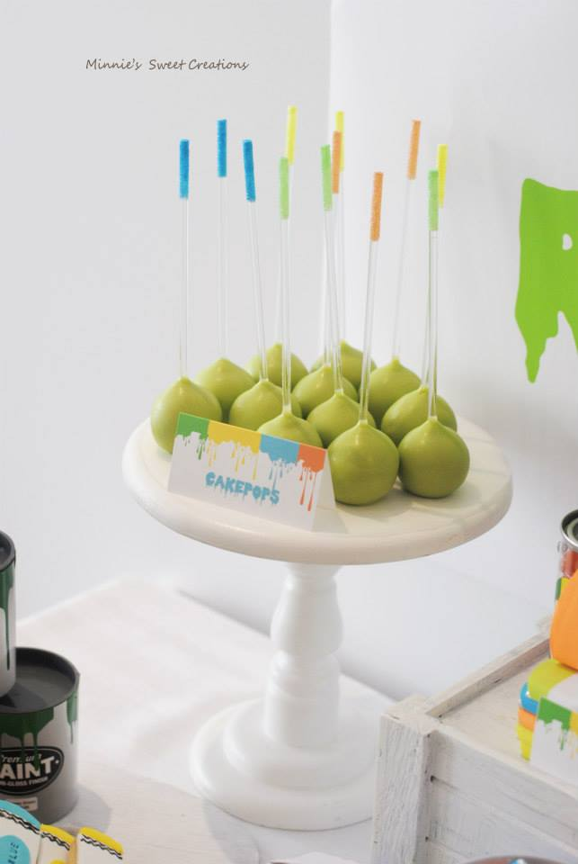 neon-geometrical-painting-party-dessert-table