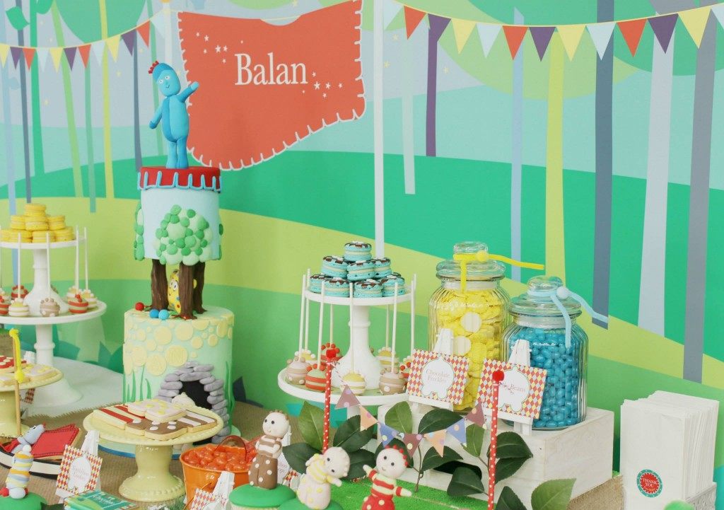 in-the-night-garden-party-dessert-table
