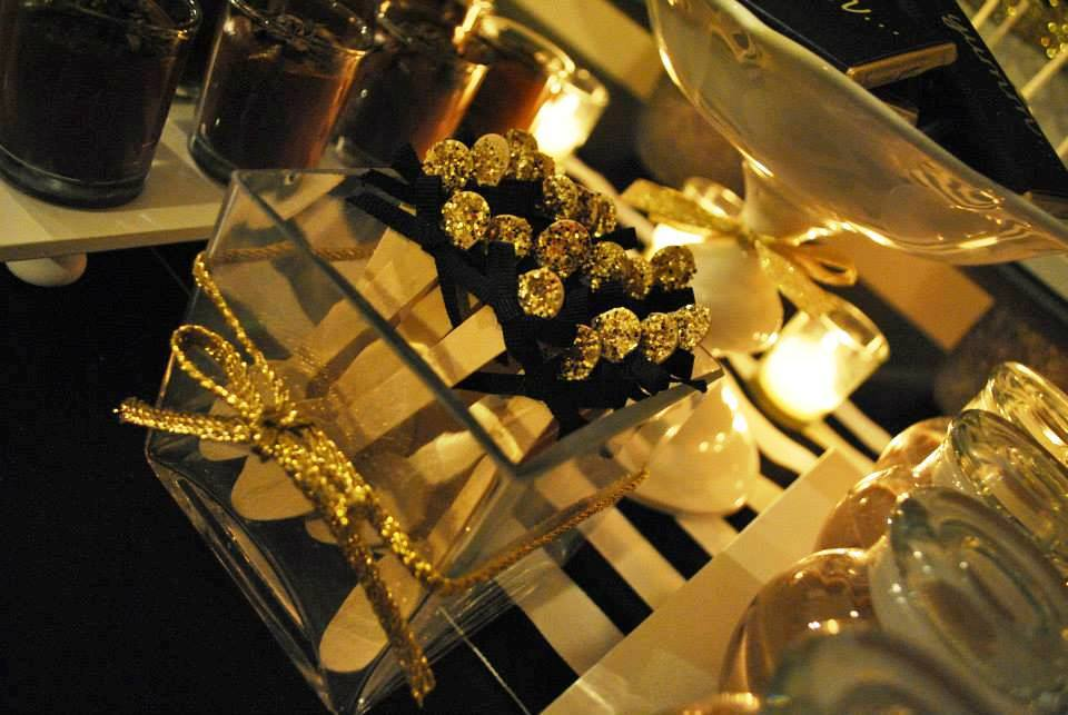 chocolate-bar-buffet-chocolate-themed-party