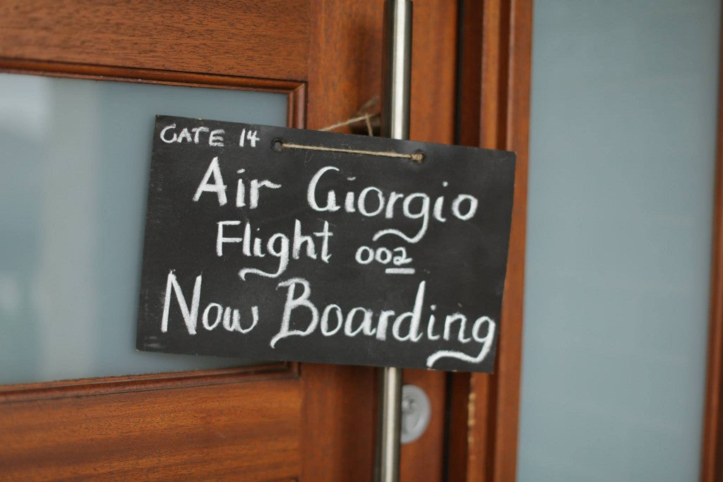 VINTAGE-PLANE-PARTY-WELCOME-SIGN
