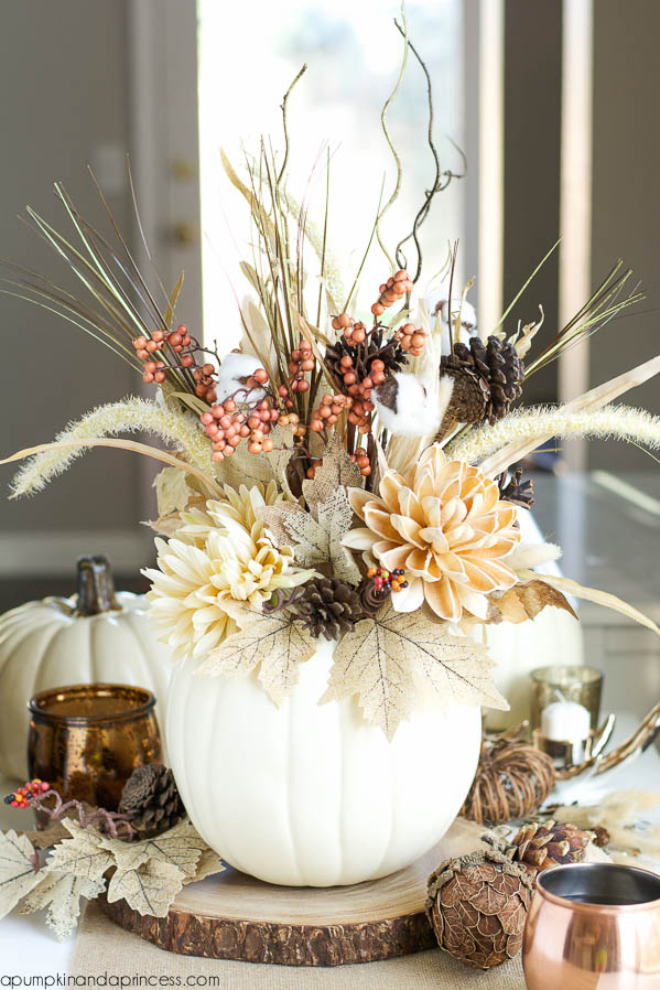 23-Insanely-Beautiful-Thanksgiving-Centerpieces-and-Table-Settings-homesthetics-decor-ideas-22