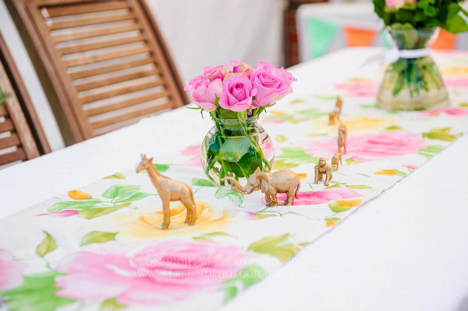 table setting circus theme