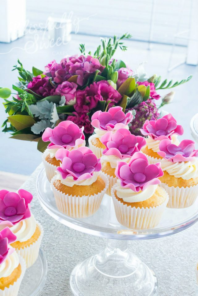 flower-cupcakes-purple