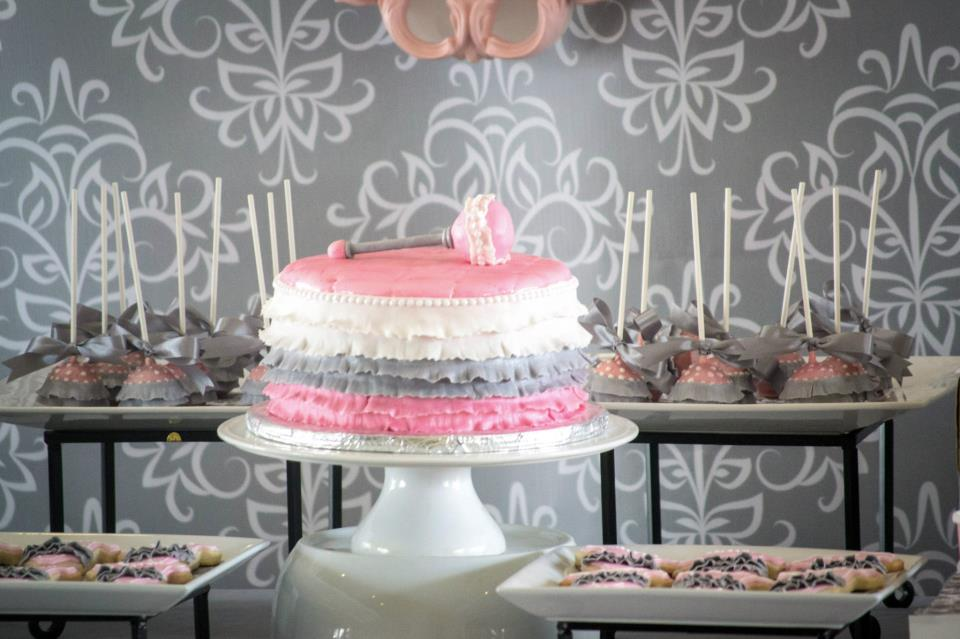 Pink-Grey-Dessert-table-babyshower-ballerina
