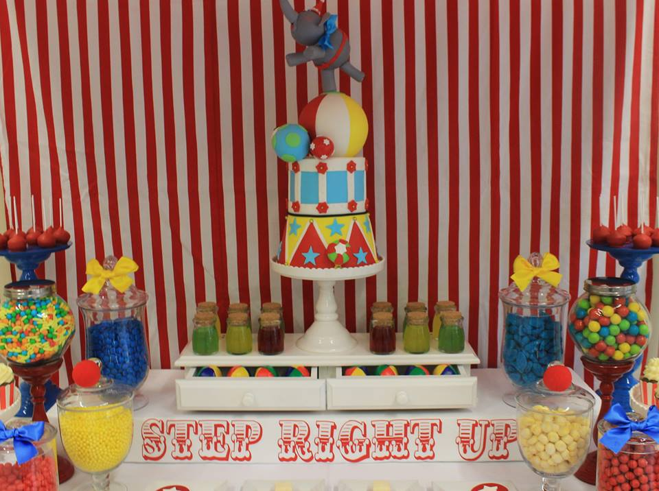 arnival-circus-theme-first-birthday-party-dessert-table-cake