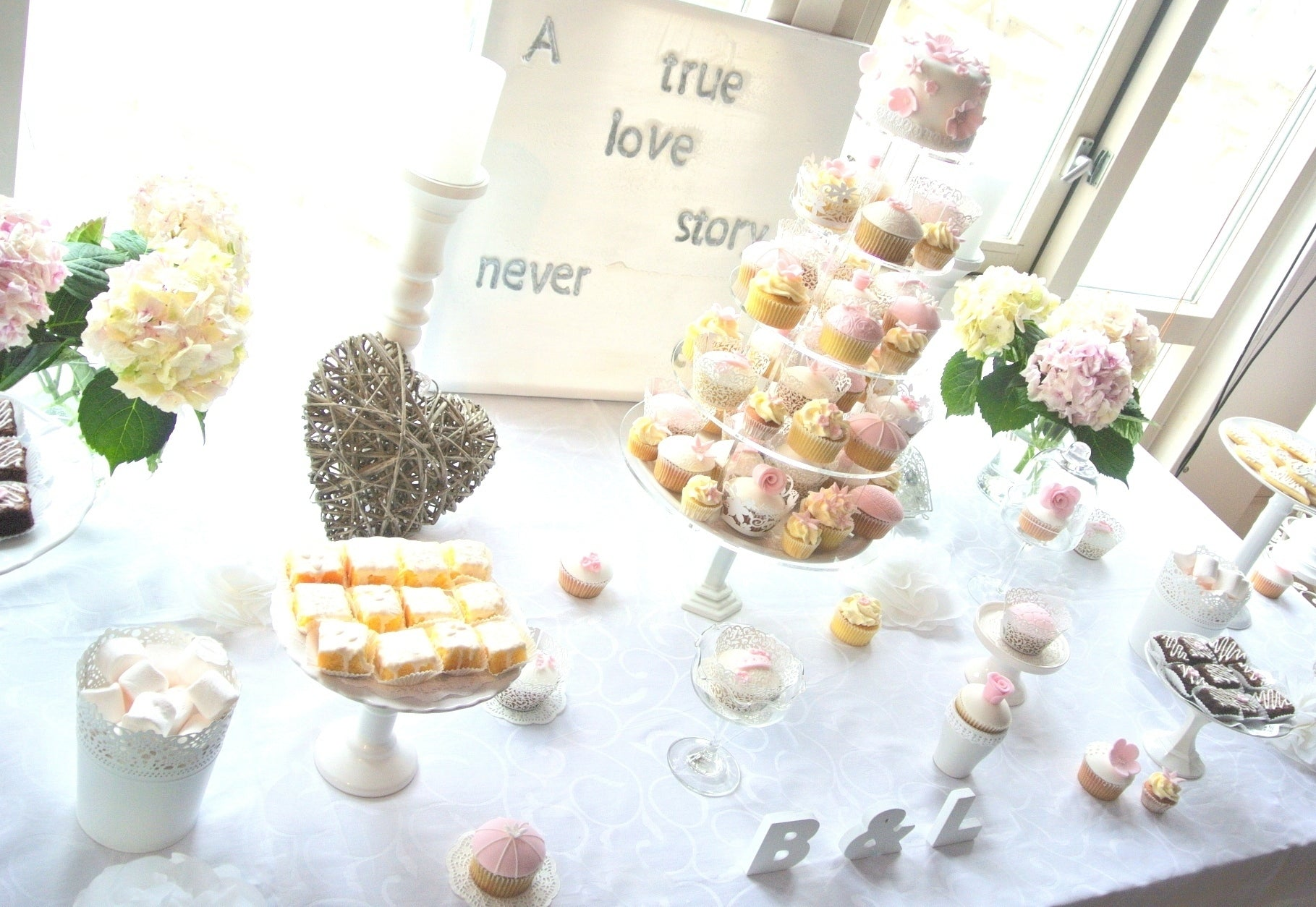 pink-and-white-wedding-dessert-table