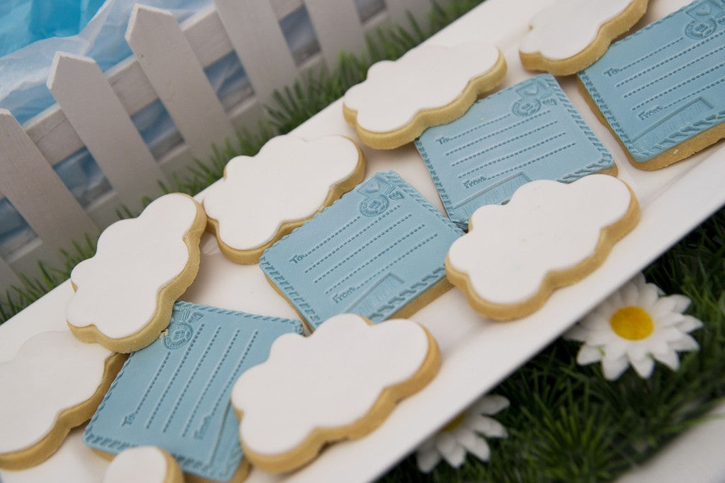 hot-air-balloon-party-dessert-buffet-cookies