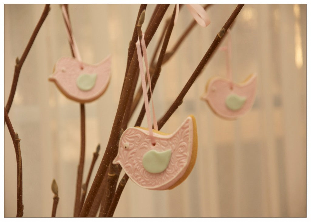 vintage-bird-themed-baby-shower-mint-pink-hanging-cookies