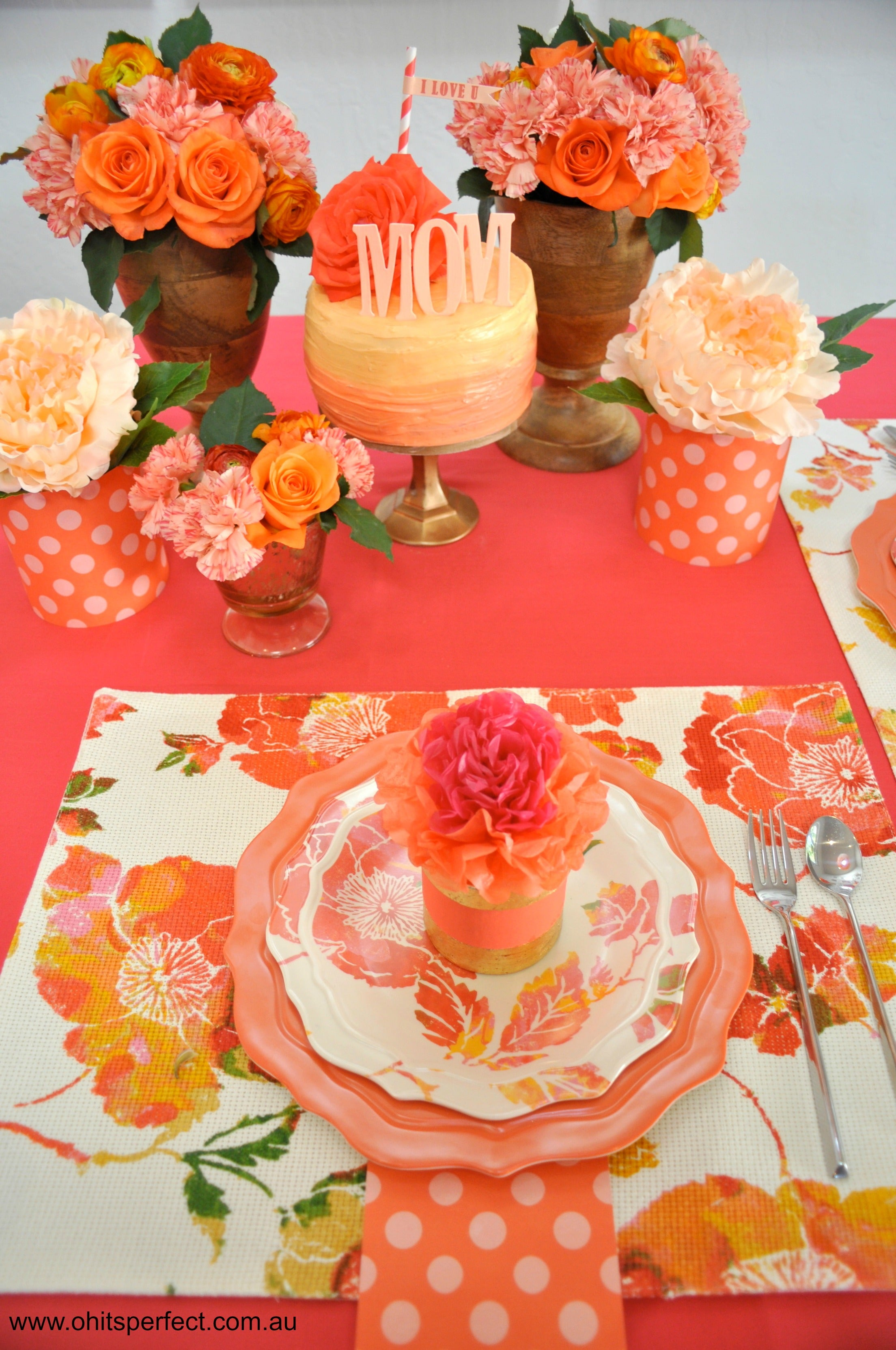 peach-orange-dessert-table-mothers-day-flowers-tablesetting