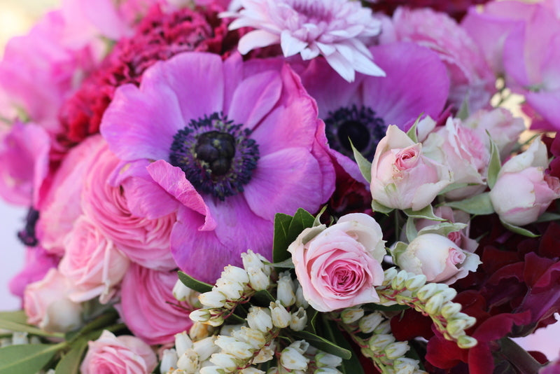 floral-pink-purple-christmas-table