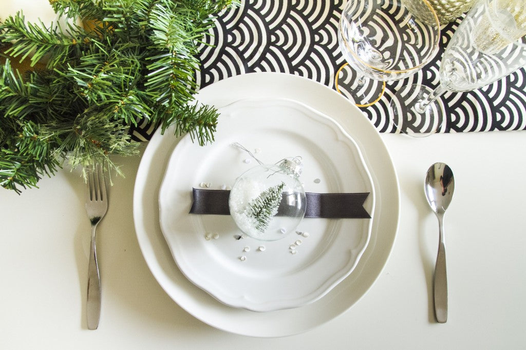 CHRISTMAS-TABLE-STYLING-IDEAS
