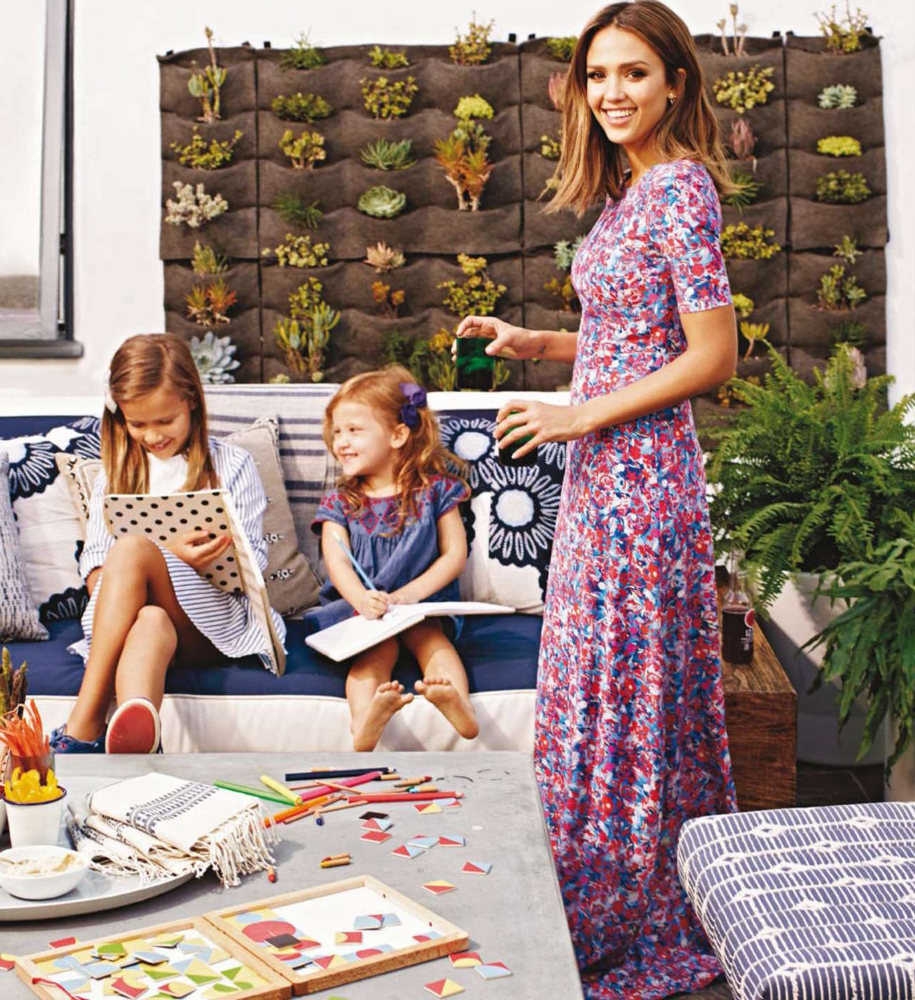 Jessica-Alba--Better-Homes-and-Gardens-2016--02