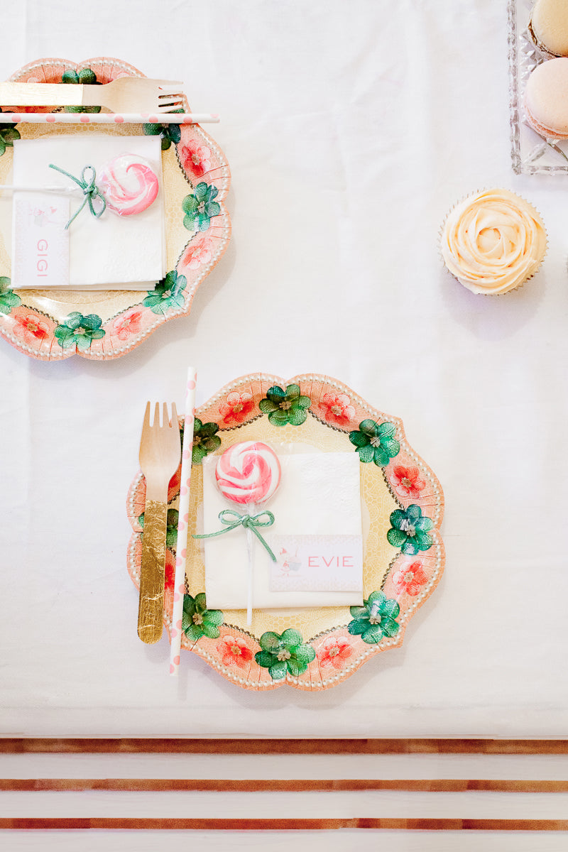 Pretty-girls-birthday-party-tablesetting