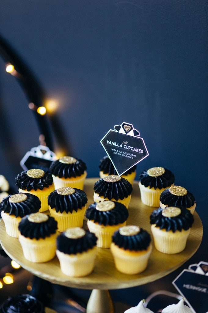 black-gold-glitter-new-years-eve-party-shoot