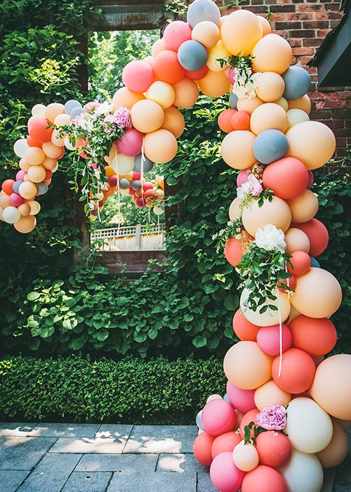 colorful-balloon-arch