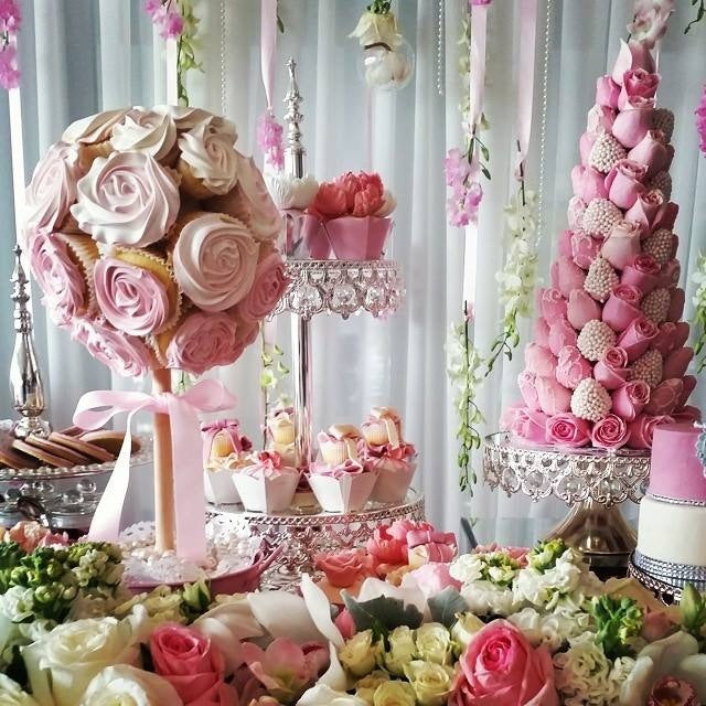 floral-pink-wedding-dessert-table