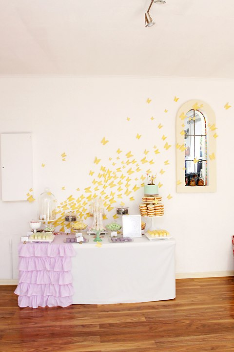 queen-of-hearts-bridal-shower-dessert-table