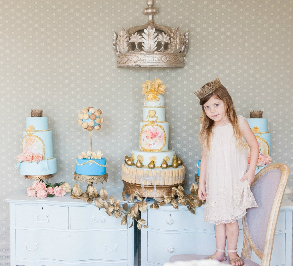 princess-themed-dessert-table